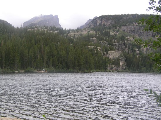 Bear Lake Trailhead: emerald lake
