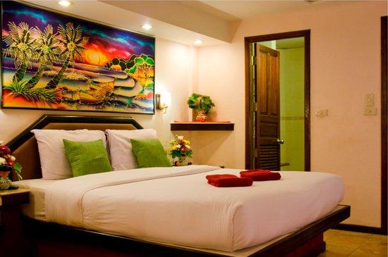 Paradise Inn Phuket: Deluxe Room