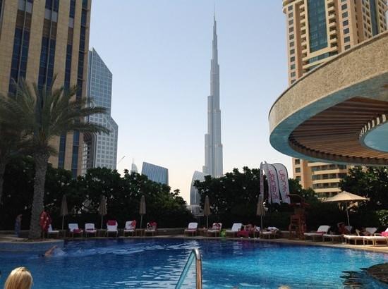 Shangri-La Hotel, Dubai: pool view to burj khalifa