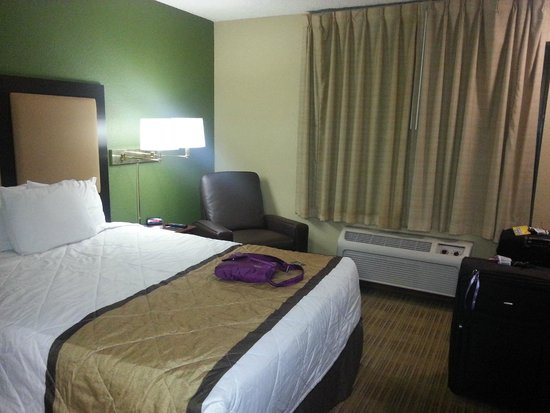 Extended Stay America - Orlando Theme Parks - Major Blvd. : Bed