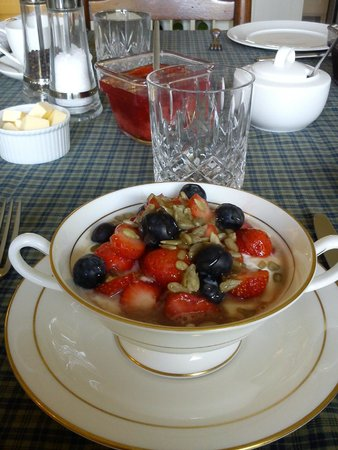 Drinkstone Park Bed and Breakfast & Gardens: The Ambers Healthy Start to the Day