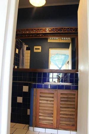 Palm Villa: Sea View (Room 16) - bathroom