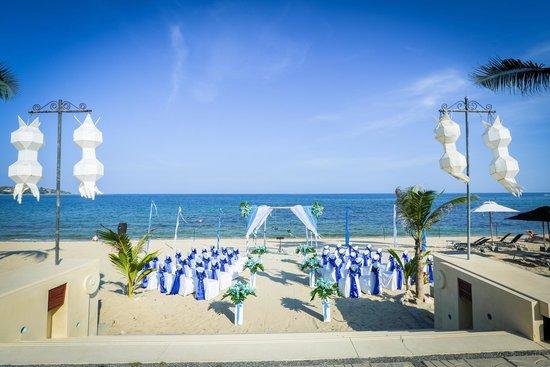 Pavilion Samui Villas & Resort: Our Beach Ceremony