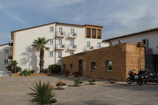 Blu Hotel Kaos: The hotel