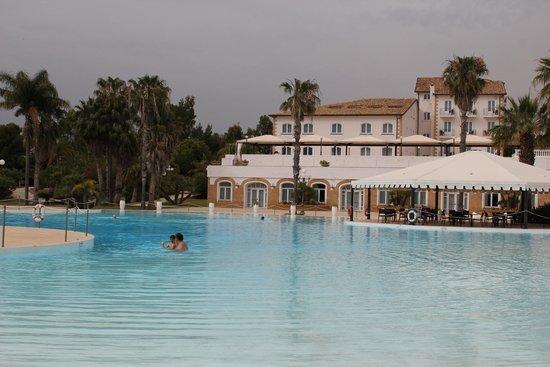 Blu Hotel Kaos: The pool