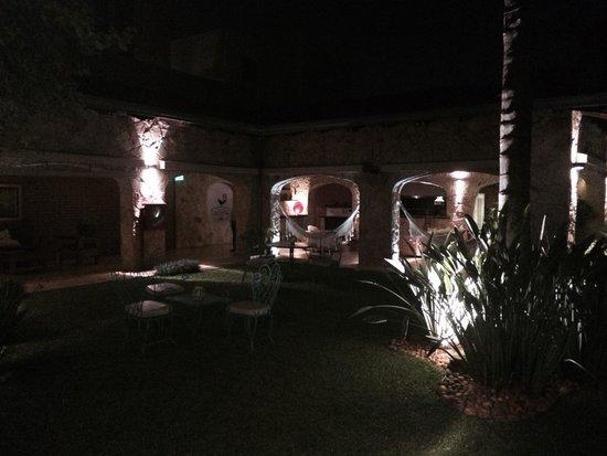 Las Lomas Casa Hotel: Evening at las Lomas