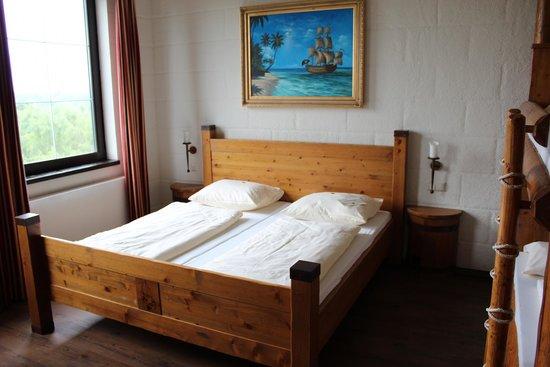 Heide Park Abenteuerhotel: Bett