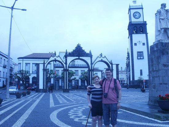 Portas da Cidade : Beautiful Central Square