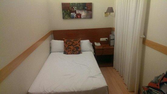Hotel Regina: Singles room.
