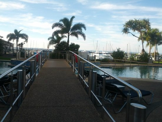 Mantra Hervey Bay : grounds