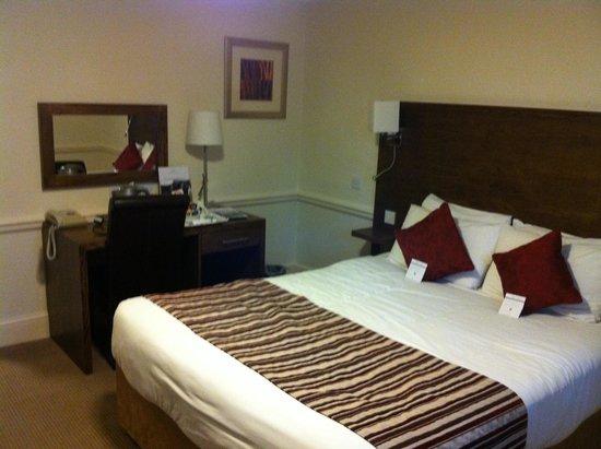 Mercure Wolverhampton Goldthorn Hotel: Annexe Room