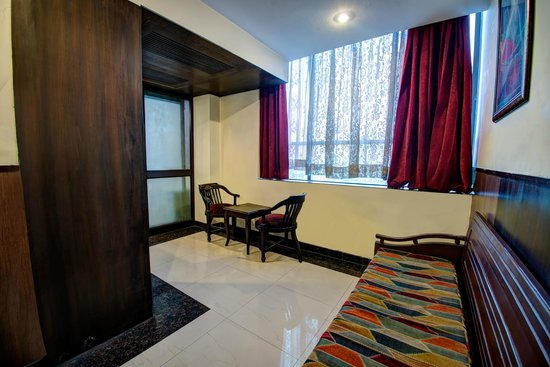 Hotel PR Residency: Executive Suite Sitting Area