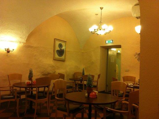 Kolonna Hotel Riga: Здесь проходит завтрак