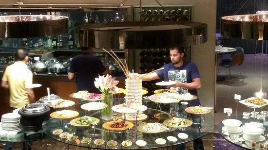 The Park New Delhi: dine...