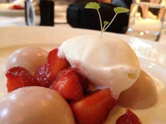 Prinsenhof Hotel: Amazing dessert