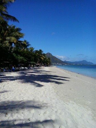 La Pirogue Resort & Spa: spiaggia di fronte alla camera