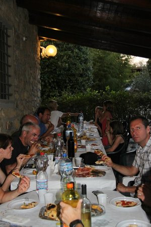 Agriturismo Tontenano: Pizza with the family