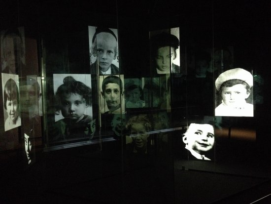 Yad Vashem -  The World Holocaust Remembrance Center: Emotion place