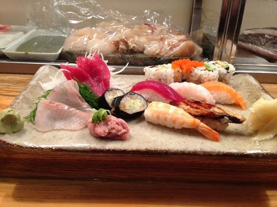 Sushi Ann: sushi / sashimi platter