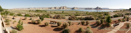 Lake Powell Resort : Sit, relax and enjoy the view