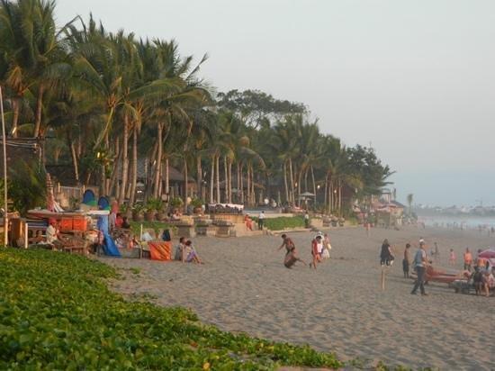 The Samaya Bali Seminyak: beach