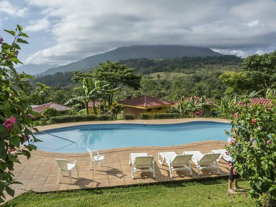 Hotel Miradas Arenal : piscina