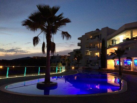 Ferrera Beach Apartments: Vue depuis la sortie du bloc D