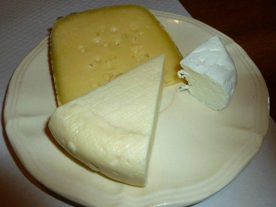 Ferme Auberge du Felsach: the cheese platter