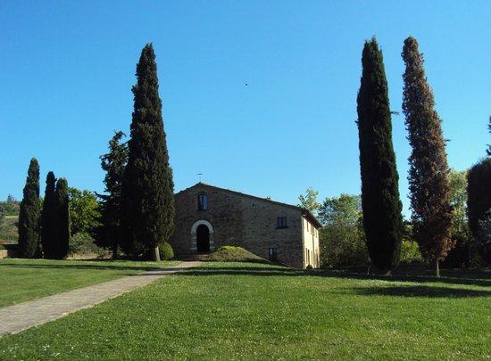 Urbino Resort - Tenuta Santi Giacomo e Filippo : la chiesetta