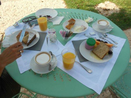 Tenuta Le Cave: amazing breakfast with local produce, fresh cakes
