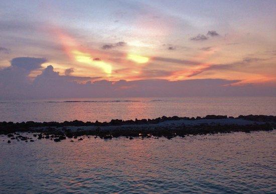 Vivanta by Taj Coral Reef Maldives: Sunset from the Water Villa