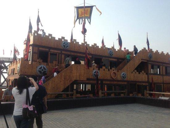 Water Margin and the Three Kingdoms Scenic: Caocao's Warship