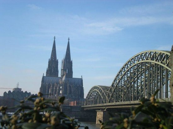 Kölner Dom: Across the river from the cathedral