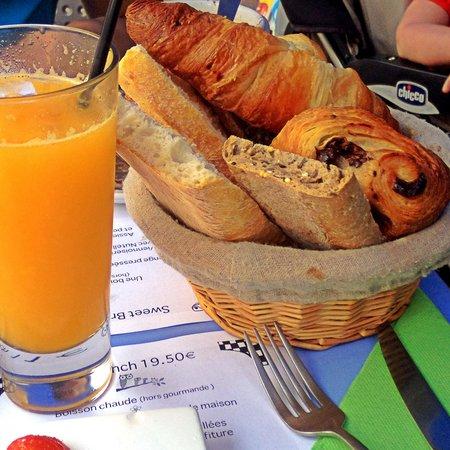 DS délices : Jus d'orange pressé et viennoiserie / Big Brunch
