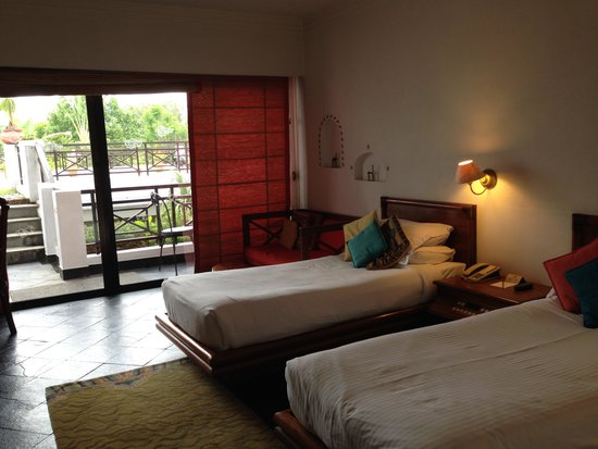 Shangri-La Village Pokhara: The Room