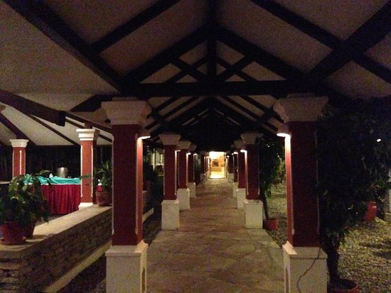 Shangri-La Village Pokhara: Corridor