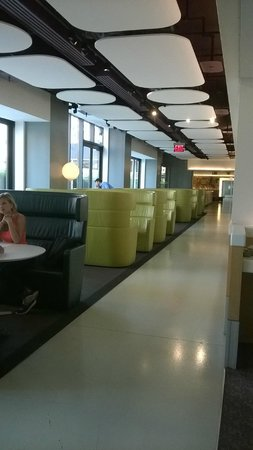 YOTEL New York at Times Square West: Club lounge
