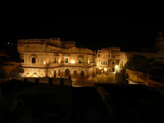 The Trio: Vistas al Mandir Palace desde el restaurante
