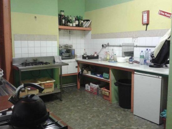 Old Monastery Hostel : The Kitchen
