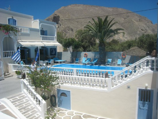 Stelios Place: The beautiful pool!