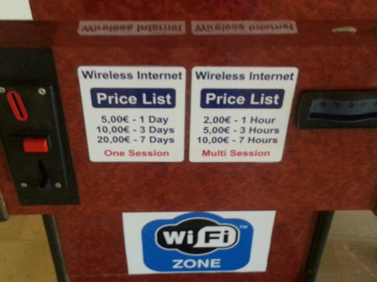 Messonghi Beach Resort : Internet prices