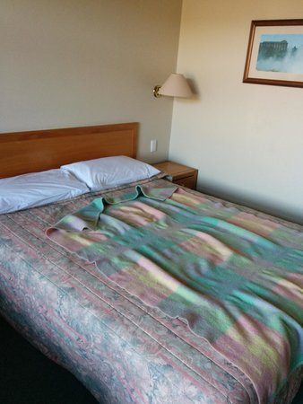 SilverOaks Hotel Geyserland: old and grotty