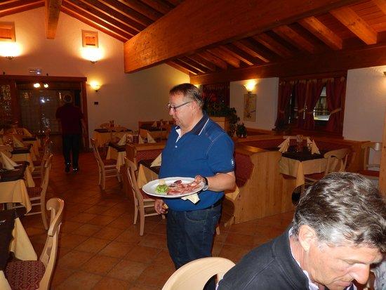 Albergo Bar Ristorante Bucaneve: der gemütliche Speisesaal