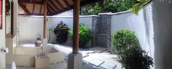 LUX* South Ari Atoll: Beach Villa