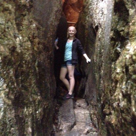 Polar Caves Park : Some very tight spots.