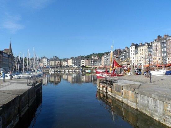 La Closerie Honfleur : Honfleur Harbour