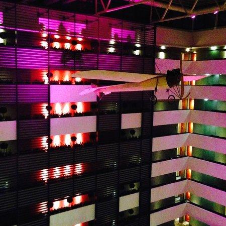 Sofitel Budapest Chain Bridge : hotel corridors