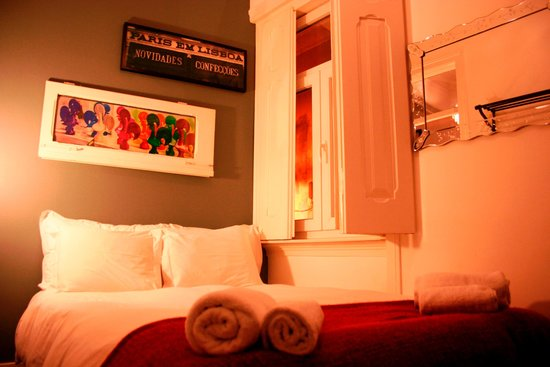 Les Suites Du Bairro Alto: Room with balcony