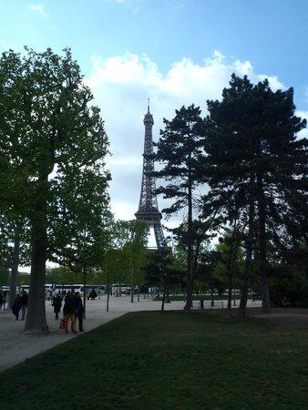 Hotel du Cadran Tour Eiffel: so close