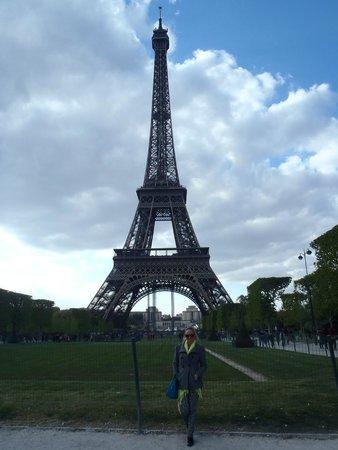 Hotel du Cadran Tour Eiffel: it was so close